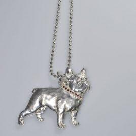 Ciondolo Bull francese 3D di 5 cm con collarino di Rubini natura