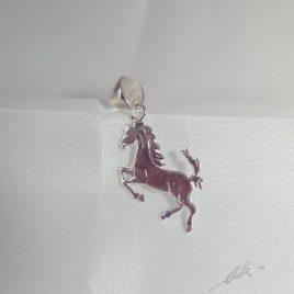 Ciondolo cavallino rampante