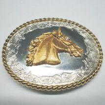 Fibbia con testa di cavallo dorata