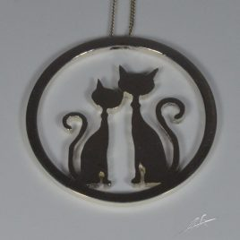 Girocollo gatto innamorato nel cerchio