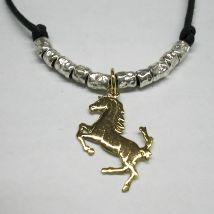 Girocollo cavallino rampante
