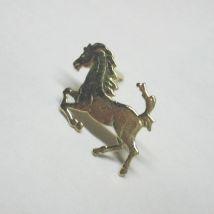 Spilloncino da giacca cavallino rampante