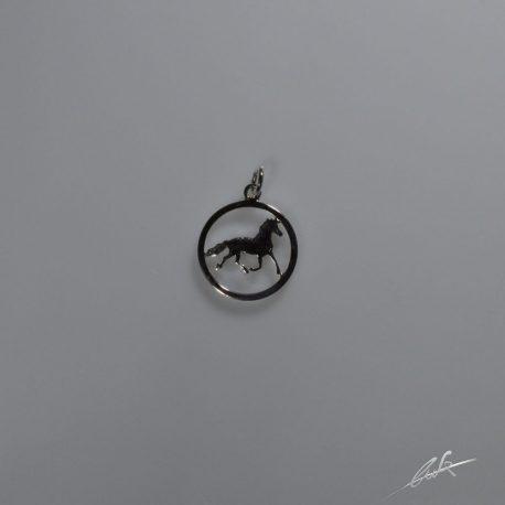 cio cavallino nel cerchio piccolo
