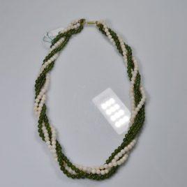 Girocollo in perline di Giada e Corallo rosa pelle d'angelo e chiusura in oro 18 Kt pezzo unico