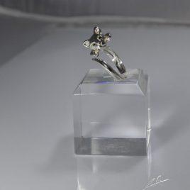 Anello Gatto testa 3D con occhi di Diamanti neri naturali