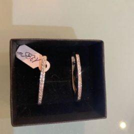 Orecchini ad oliva in oro 18 Kt con Diamanti naturali
